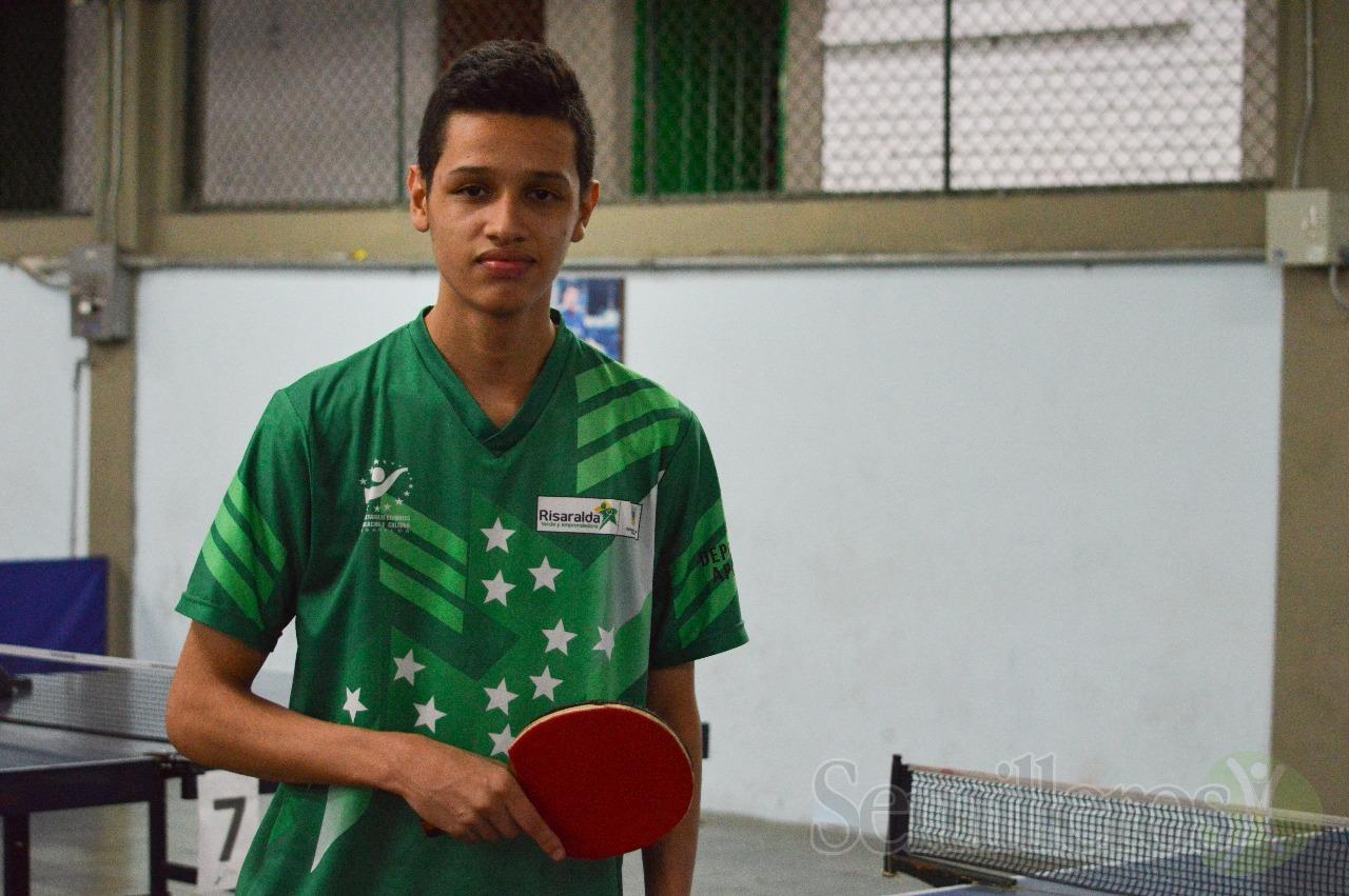 Junior Acevedo Tenis de Mesa